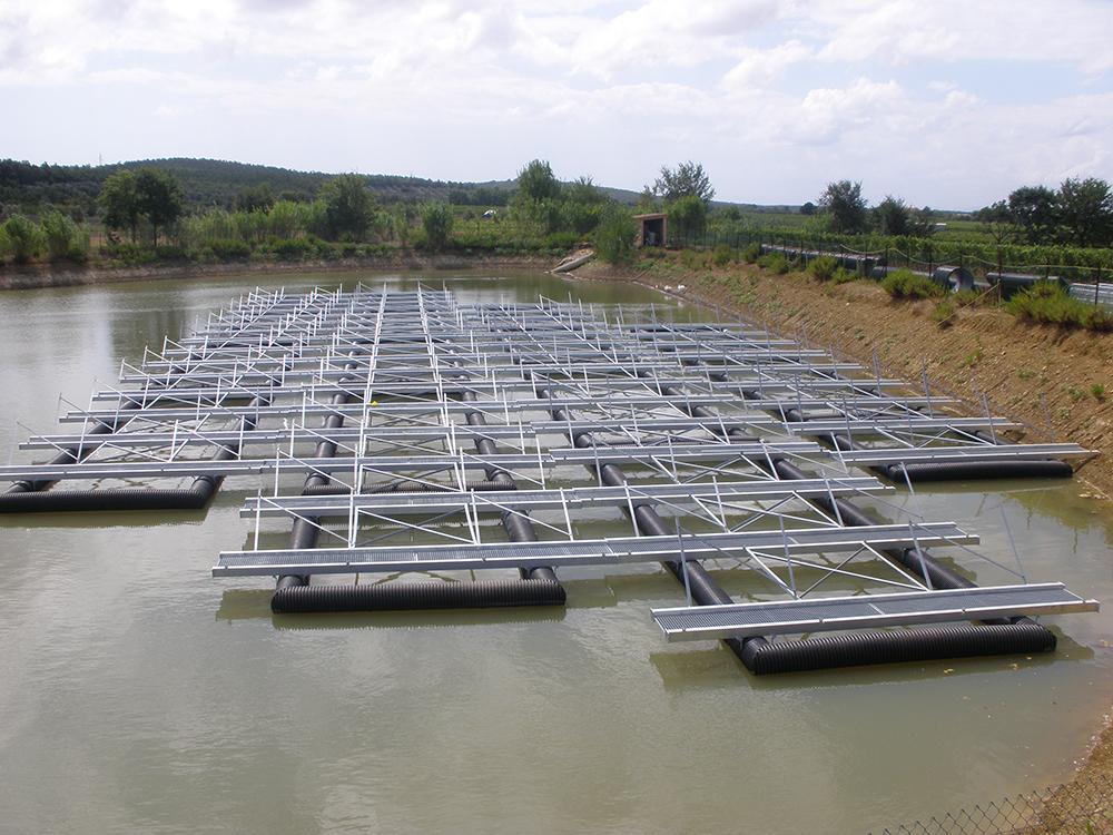 Πλωτές κατασκευές για φωτοβολταϊκή εγκατάσταση